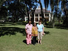 Lata, Leela and Elaine in front of Houmas House